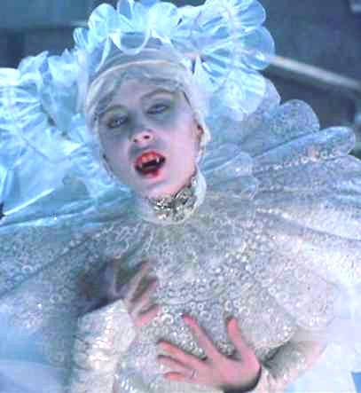 Lucy_Westenra_(Bram_Stoker's_Dracula)_001